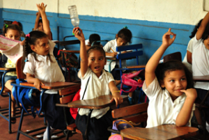 Nicaragua Freiwilligenarbeit mit Kindern DeeperTravel