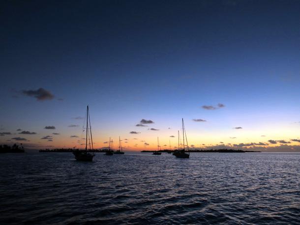 Segelboot wohnen Sonnenuntergang